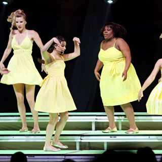 Naya Rivera, Heather Morris, Lea Michele, Amber Riley, Jenna Ushkowitz, Dianna Agron in 'Glee Live' on Tour