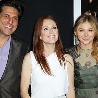 Jonathan Glickman, Julianne Moore, Chloe Moretz in Premiere of Metro-Goldwyn-Mayer Pictures' and Screen Gems' Carrie