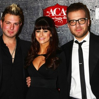 Gloriana in 2012 American Country Awards - Arrivals - gloriana-2012-american-country-awards-01