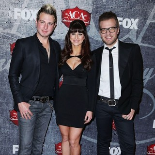Gloriana in 2012 American Country Awards - Arrivals - gloriana-2012-american-country-awards-02