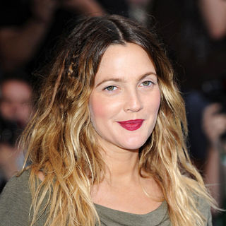 Drew Barrymore in The UK Premiere of 'Going the Distance' - Arrivals
