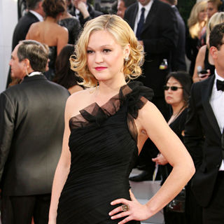 Julia Stiles in 68th Annual Golden Globe Awards - Arrivals