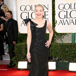 Piper Perabo in 68th Annual Golden Globe Awards - Arrivals