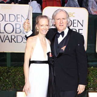 James Cameron, Suzy Amis in 67th Golden Globe Awards - Arrivals