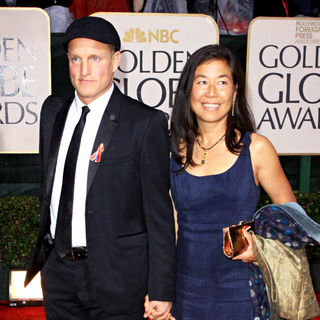 Woody Harrelson, Laura Louie in 67th Golden Globe Awards - Arrivals
