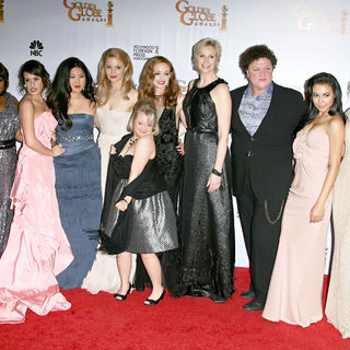 Amber Riley, Lea Michele, Jenna Ushkowitz, Dianna Agron, Jayma Mays, Jane Lynch in 68th Annual Golden Globe Awards - Press Room