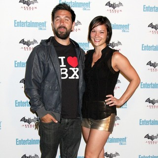 Joshua Gomez, Amy Pham in Comic Con 2011 Day 3 - Entertainment Weekly Party - Arrivals