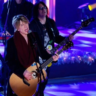 Goo Goo Dolls in 81st Annual Rockefeller Center Christmas Tree Lighting Ceremony - goo-goo-dolls-81st-annual-rockefeller-center-christmas-tree-lighting-02