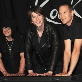 The Induction of The Goo Goo Dolls into Guitar Center's RockWalk - goo-goo-dolls-rockwalk-02