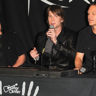 The Induction of The Goo Goo Dolls into Guitar Center's RockWalk - goo-goo-dolls-rockwalk-07