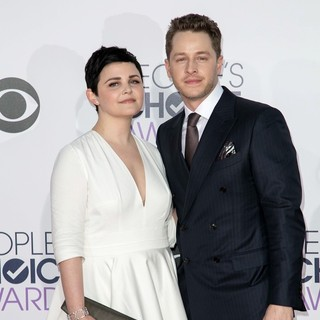 Josh Dallas in The 41st Annual People's Choice Awards - Arrivals - goodwin-dallas-41st-annual-people-s-choice-awards-arrivals-02