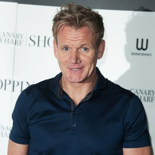 Gordon Ramsay Signs His Book Ultimate Home Cooking