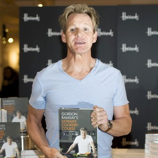 Gordon Ramsay in Gordon Ramsay Signs Copies of His Book Gordon Ramsay's Ultimate Cookery Course