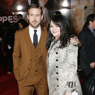 Ryan Gosling, Donna Gosling in The Los Angeles World Premiere of Gangster Squad - Arrivals