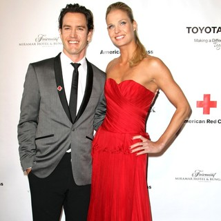 Mark-Paul Gosselaar, Catriona McGinn in The American Red Cross Santa Monica Chapter's Annual Red Tie Affair - Arrivals