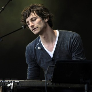 Gotye in Gotye Performing Live in Concert at The Annual Homebake Australian Music Festival