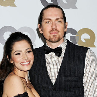 Sarah Shahi, Steve Howey in The GQ 2010 Men of The Year Party