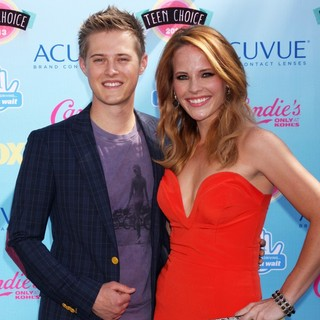 Lucas Grabeel, Katie Leclerc in 2013 Teen Choice Awards