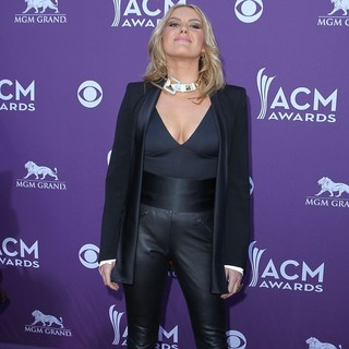 Grace Potter and the Nocturnals in 2012 ACM Awards - Arrivals - grace-potter-2012-acm-awards-02