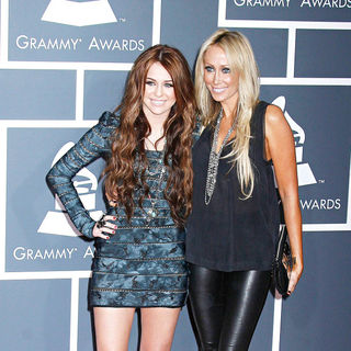 Miley Cyrus, Tish Cyrus in 52nd Annual Grammy Awards