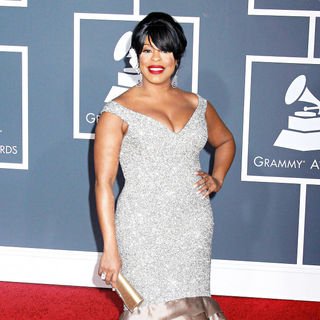 Niecy Nash in 52nd Annual Grammy Awards