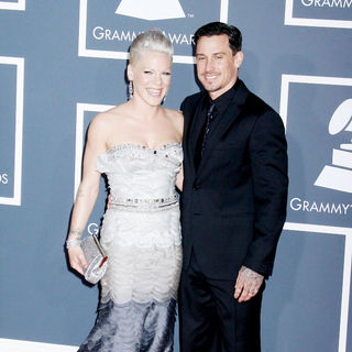 Pink, Carey Hart in 52nd Annual Grammy Awards