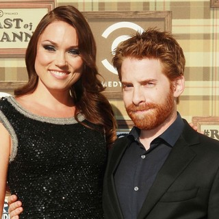 Clare Grant, Seth Green in Comedy Central Roast of Roseanne Barr