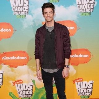 Grant Gustin in Nickelodeon's 2016 Kids' Choice Awards - Arrivals