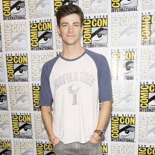 Grant Gustin in San Diego Comic Con 2017 - The Flash - Photocall