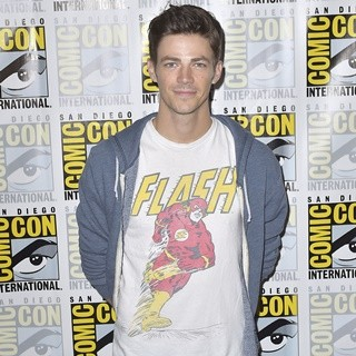 Grant Gustin in Comic-Con International 2016: San Diego - The Flash - Photocall
