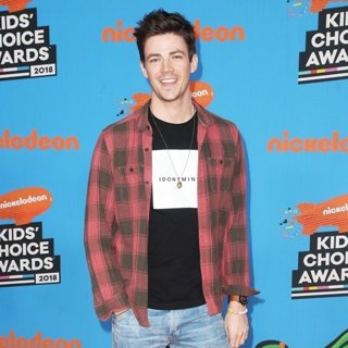 Grant Gustin in Nickelodeon's 2018 Kids' Choice Awards