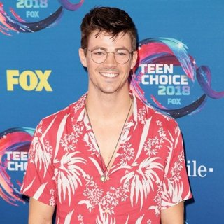 Grant Gustin in Teen Choice Awards 2018 - Arrivals