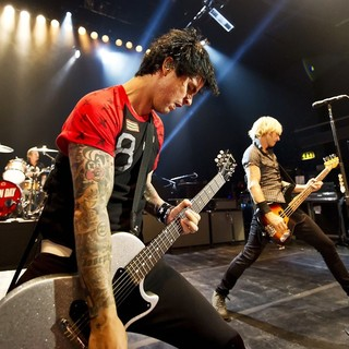 Green Day - Green Day Performing Live