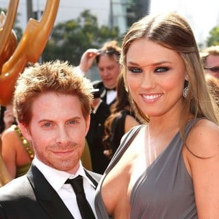 Seth Green, Clare Grant in 2011 Primetime Creative Arts Emmy Awards - Arrivals