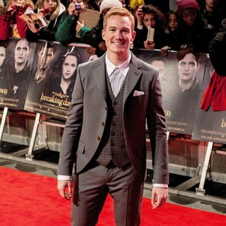 Greg Rutherford in The Premiere of The Twilight Saga's Breaking Dawn Part II - Arrivals