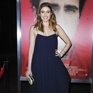 Premiere of Warner Bros. Pictures' Her - Red Carpet - greta-gerwig-premiere-her-04