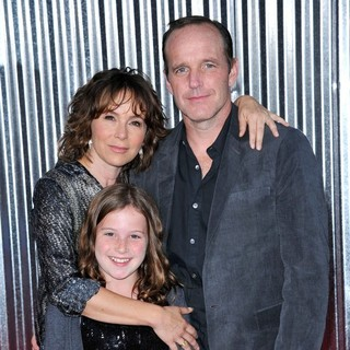 Jennifer Grey, Stella Gregg, Clark Gregg in Los Angeles Premiere of Real Steel