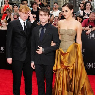 Rupert Grint, Daniel Radcliffe, Emma Watson in New York Premiere of Harry Potter and the Deathly Hallows Part II - Arrivals