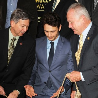 Leron Gubler, James Franco, Tom LaBonge in James Franco Is Honoured with A Hollywood Star on The Hollywood Walk of Fame