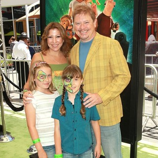 Crissy Guerrero, Dave Foley, Alina Foley in World Premiere of ParaNorman