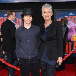 Jamie Lee Curtis in The Los Angeles Premiere of Wreck-It Ralph - Arrivals - guest-curtis-premiere-wreck-it-ralph-01