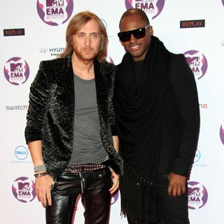 David Guetta, Taio Cruz in The MTV Europe Music Awards 2011 (EMAs) - Arrivals