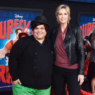 Harvey Guillen, Jane Lynch in The Los Angeles Premiere of Wreck-It Ralph - Arrivals