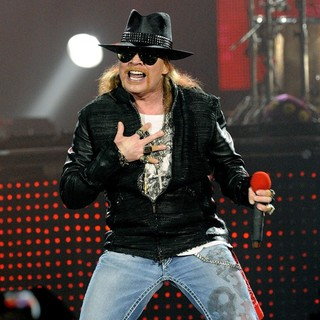 Guns N' Roses Perform on Stage at Copps Coliseum in Hamilton - guns-n-roses-perform-on-stage-at-copps-coliseum-06