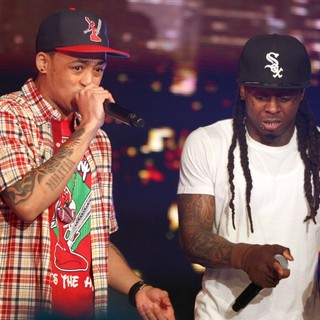 Cory Gunz in BET's 106 and Park New Year's Eve Show - gunz-wayne-bet-s-106-and-park-new-year-s-eve-show-01