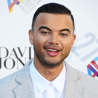 Guy Sebastian in 27th ARIA Awards 2013 - Arrivals - guy-sebastian-27th-aria-awards-2013-01