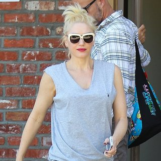 Gwen Stefani, No Doubt in Gwen Stefani Goes for Acupuncture Session