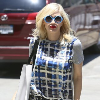 Gwen Stefani, No Doubt in Gwen Stefani Arriving at An Acupuncture Appointment
