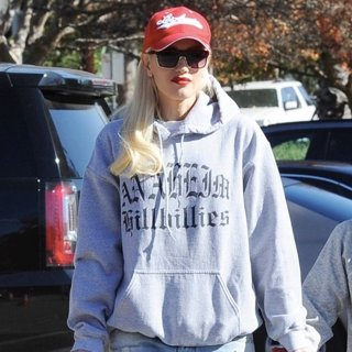 Gwen Stefani Attends Her Son's Basketball Game