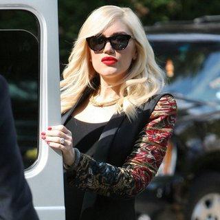 Gwen Stefani in Gwen Stefani Leaves Hotel Bel-Air